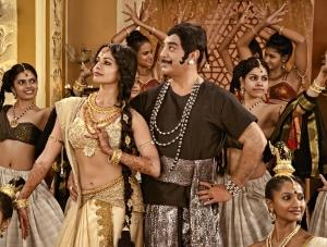 Kamal Hassan, Pooja Kumar in Uttama Villain Movie Stills