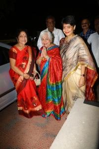 Sowcar Janaki, Madhuvanthi Arun @ Uyarndha Manithan Movie 50th Year Celebrations Photos