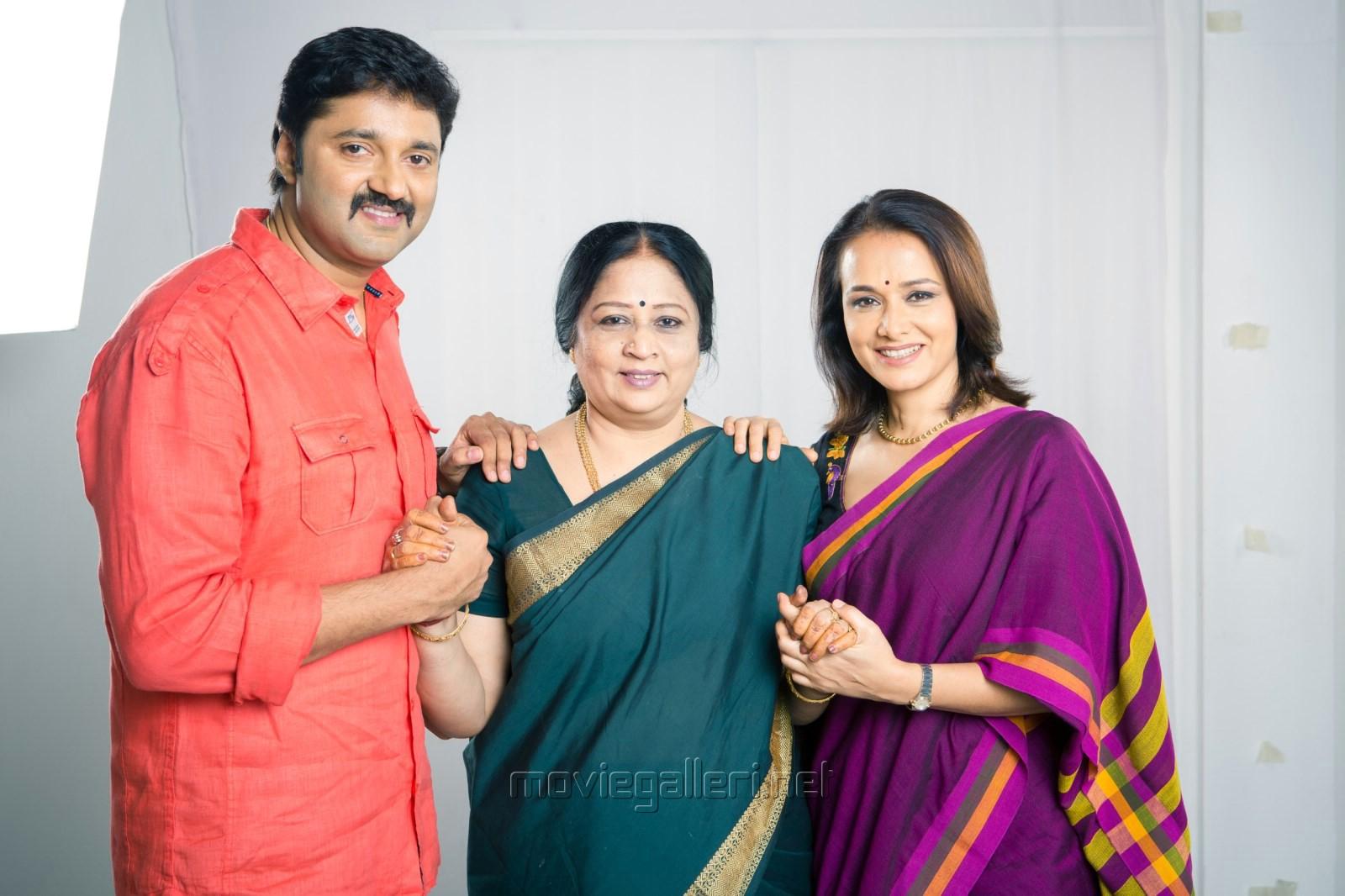 Bharath Kalyan, Revathi Shankar, Amala in Uyirmei Serial Stills