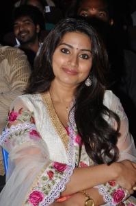 Actress Sneha @ V4 Entertainers Awards 2011