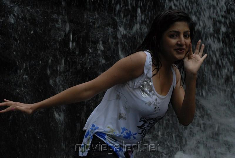 Actress Poonam Kaur in Vatham Movie Stills