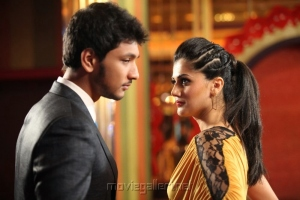 Gautham Karthik, Tapsee in Vai Raja Vai Movie Stills