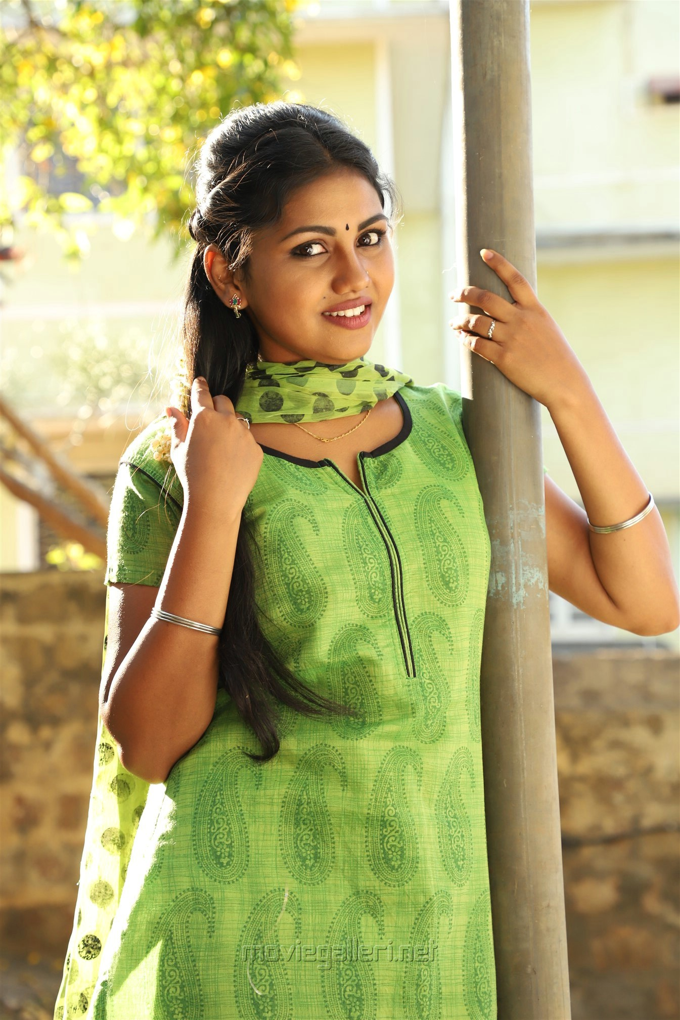 Actress Manishajith in Vakiba Vannakkili Barathi Movie Stills