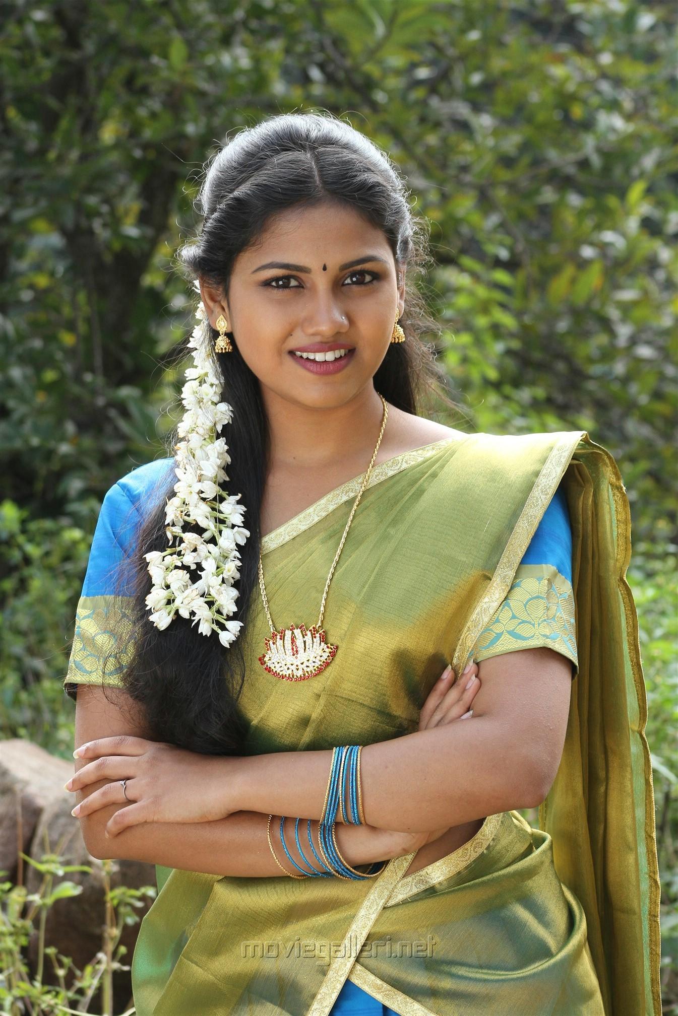 Actress Manishajith in Vakiba Vannakili Barathi Movie Stills