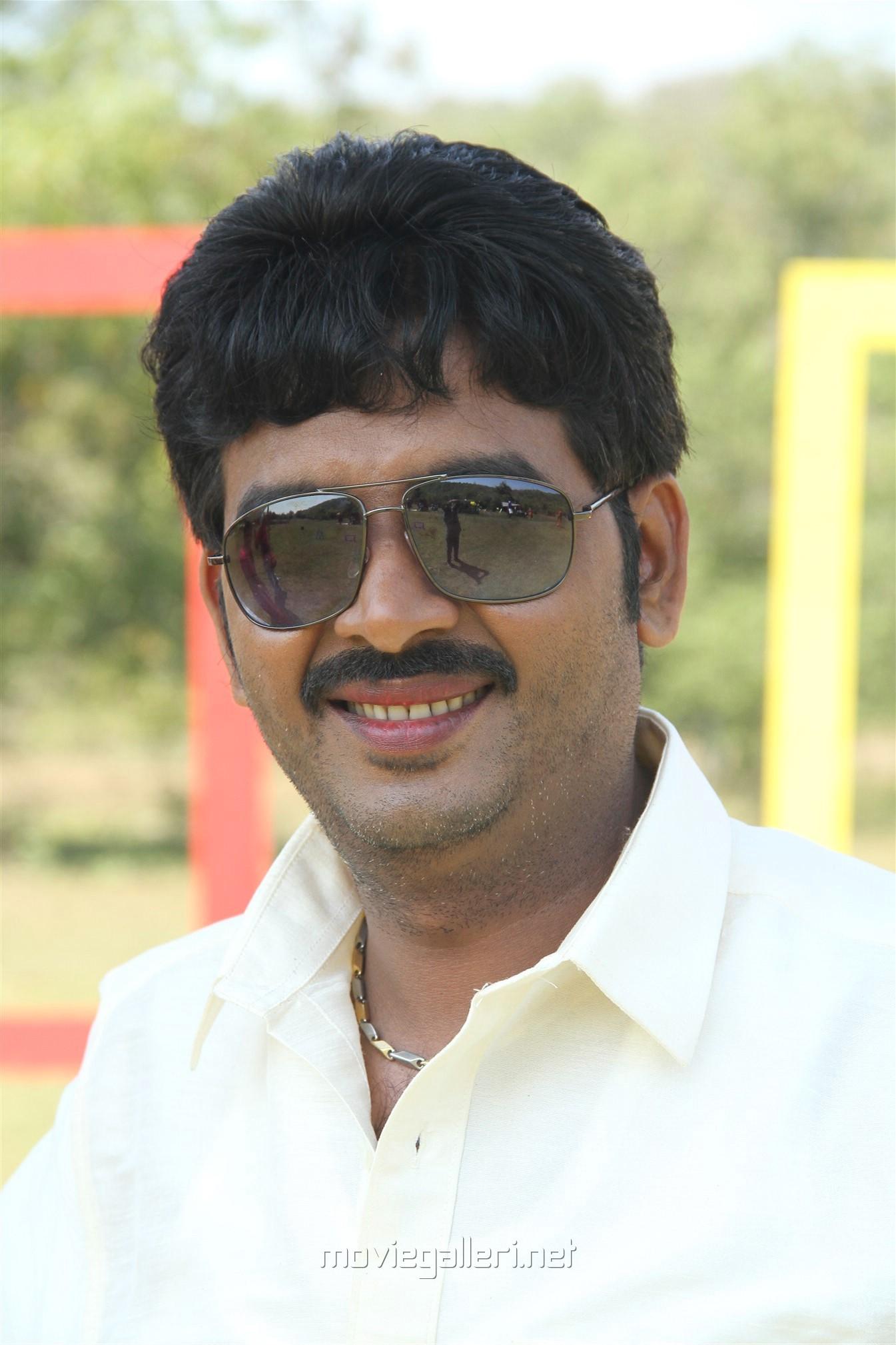 Actor Vijay Karan in Vakiba Vannakili Barathi Movie Stills