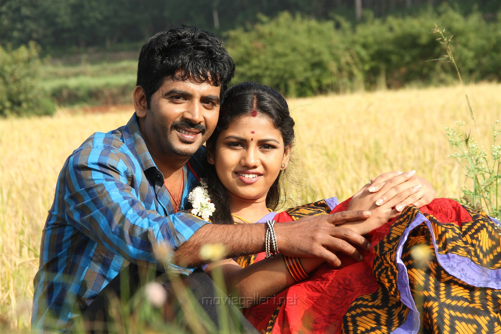Vijay Karan, Manishajith in Vakiba Vannakili Bharathi Movie Stills