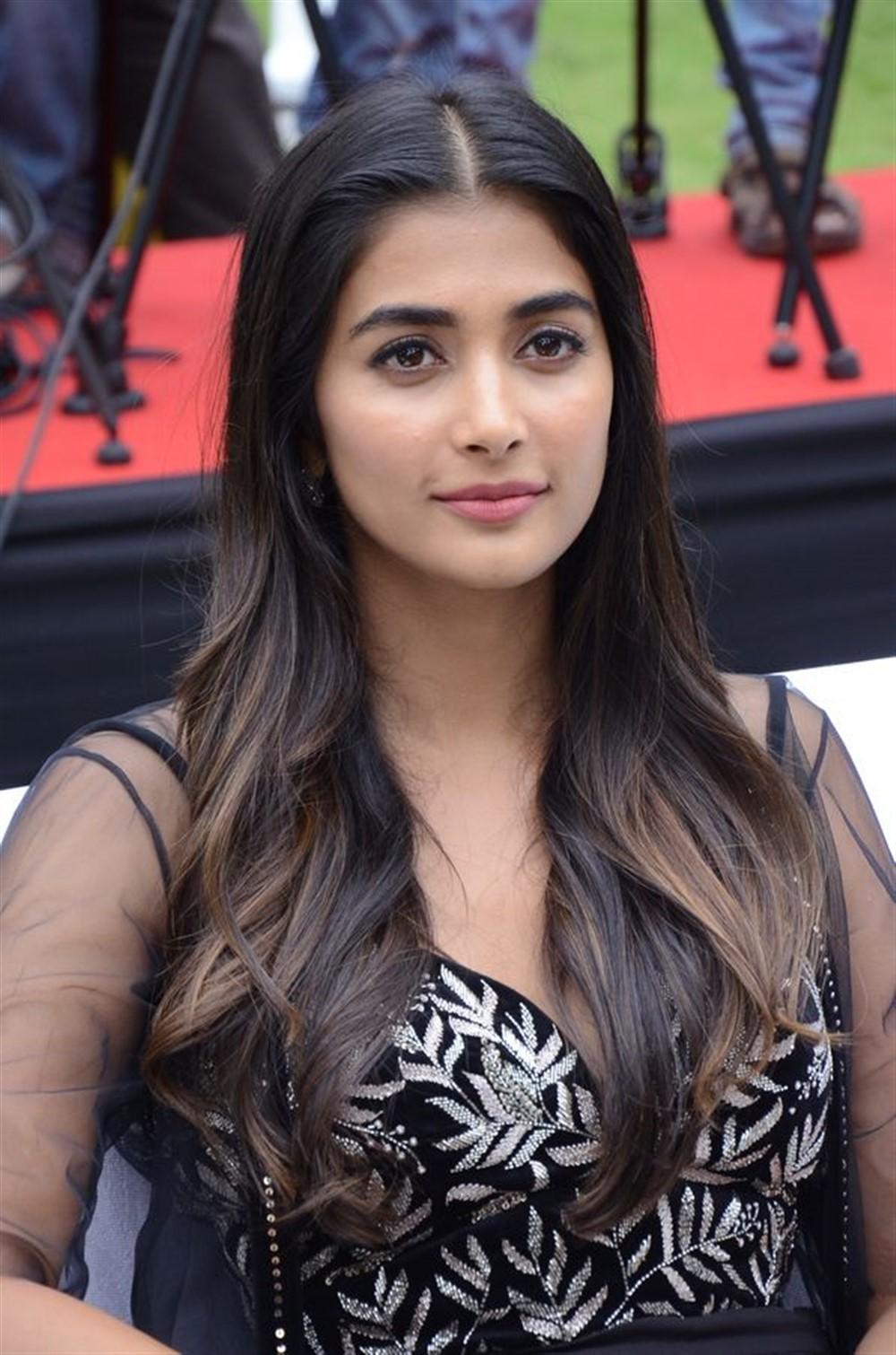 Pooja Hegde @ Valmiki Movie Velluvachi Godaramma Song Launch Stills
