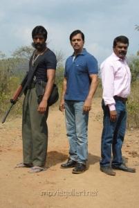 Kishore, Arjun, Ravi Kale in Vana Yudham Tamil Movie Stills