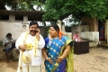 Swaminathan, Aarthi in Vanakkam Chennai Movie Stills