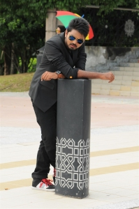 Lanka Pratheek Prem Karan in Vanavillu Movie Photos