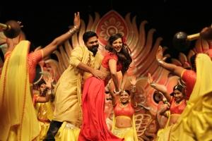 Simbu, Catherine Tresa in Vantha Rajavathaan Varuven Movie Stills HD