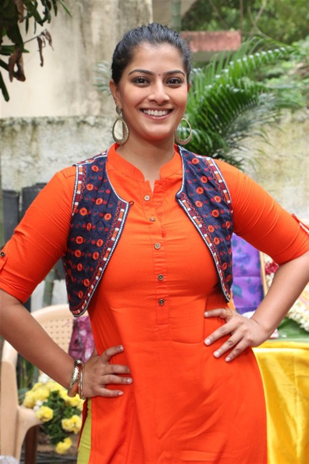 Actress Varalakshmi Latest Images @ Mr Chandramouli Movie Launch