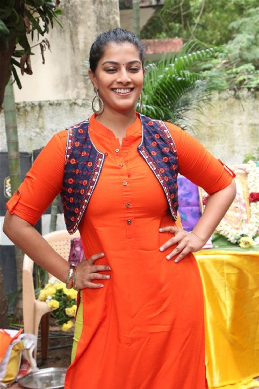 Actress Varalakshmi Latest Images @ Mr Chandramouli Movie Launch