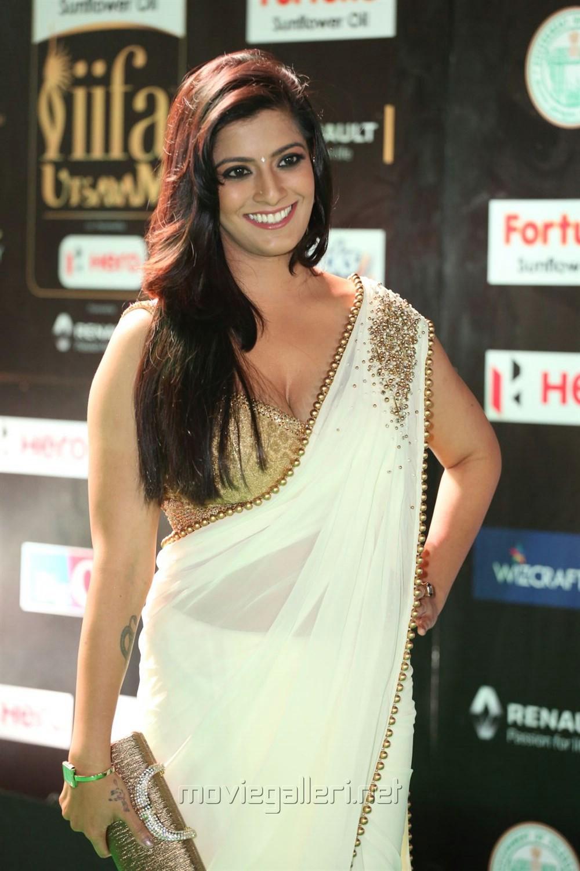 Actress Varalakshmi Hot Photos at IIFA Utsavam 2017 (Day 1)
