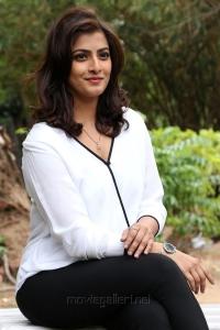 Actress Varalakshmi Sarathkumar Photos @ Vikram Vedha Press Meet