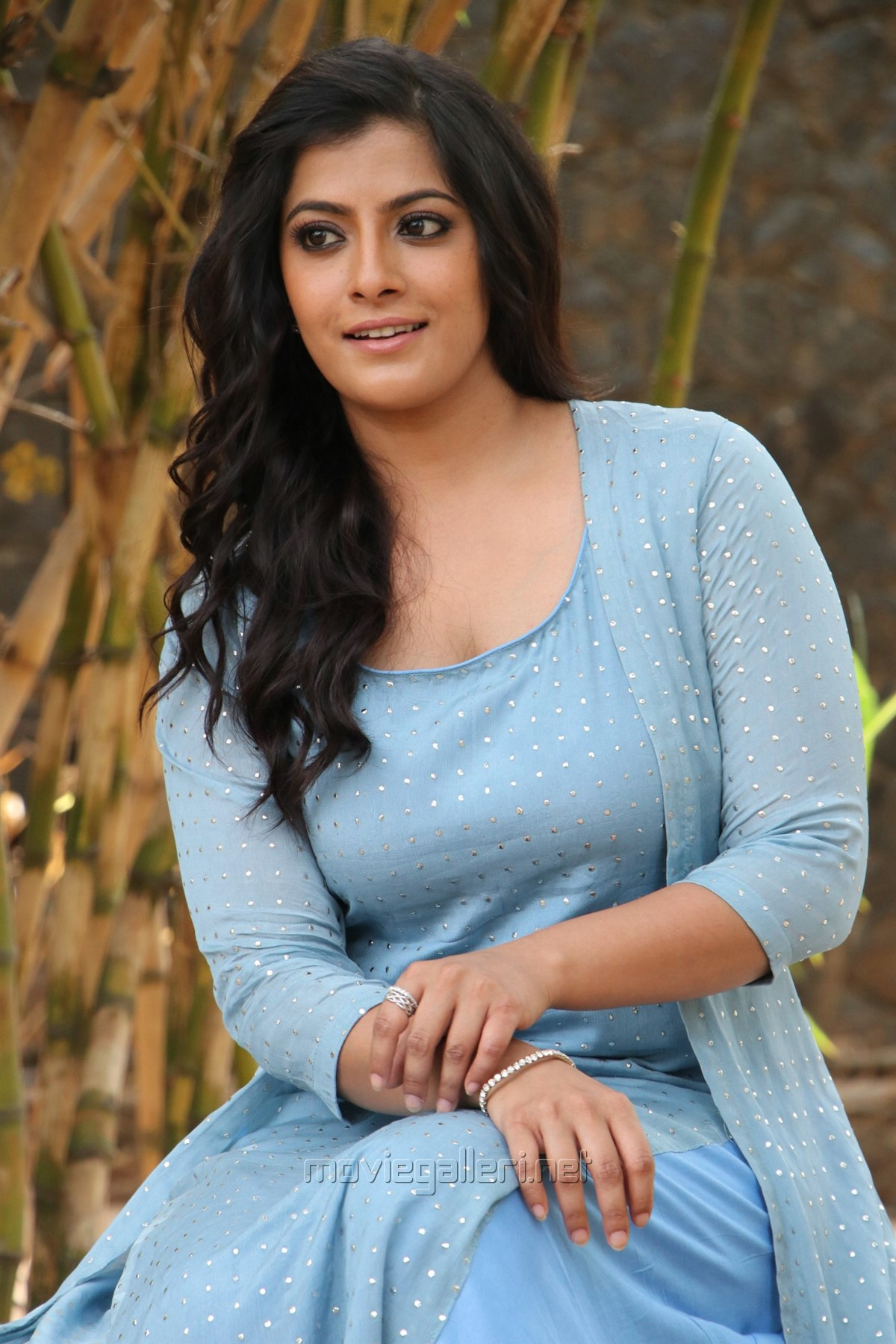 Actress Varalaxmi Sarathkumar Latest Images @ Mr Chandramouli Press Meet