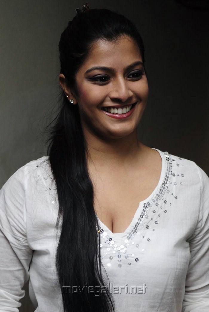 varalaxmi sarathkumar family photovaralaxmi sarathkumar, varalaxmi sarathkumar hot, varalaxmi sarathkumar photos, varalaxmi sarathkumar mother, varalaxmi sarathkumar height, varalaxmi sarathkumar wiki, varalaxmi sarathkumar twitter, varalaxmi sarathkumar facebook, varalaxmi sarathkumar family photo, varalaxmi sarathkumar navel, varalaxmi sarathkumar hot pics, varalaxmi sarathkumar hot photos, varalaxmi sarathkumar and vishal, varalaxmi sarathkumar instagram, varalaxmi sarathkumar boyfriend, varalaxmi sarathkumar and radhika, varalaxmi sarathkumar in tharai thappattai, varalaxmi sarathkumar chaya