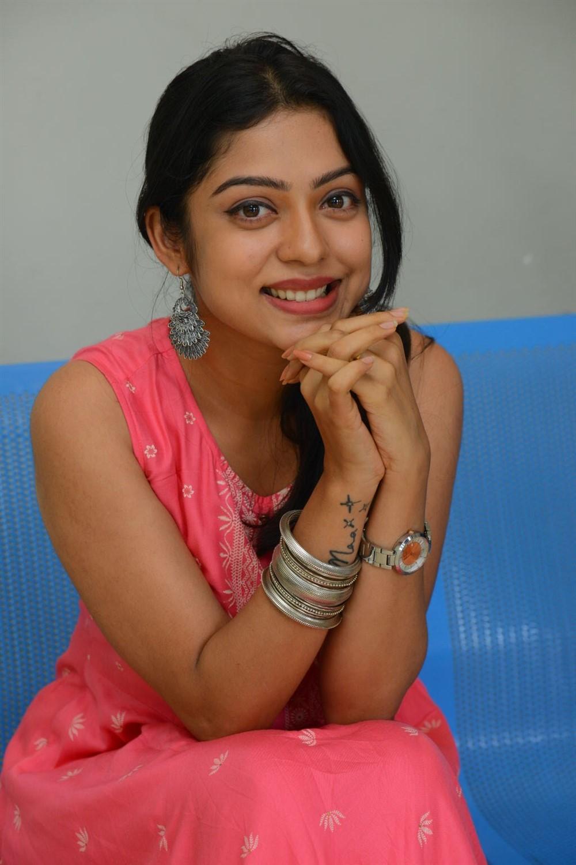 Choosi Choodangane Movie Actress Varsha Bollamma Cute Images