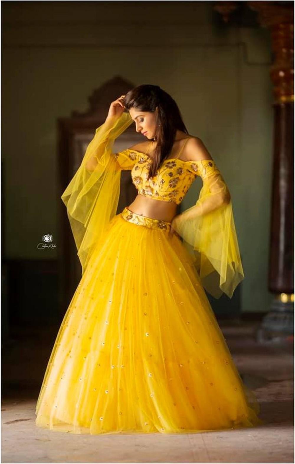Actress Shamili Sounderajan Photoshoot Pictures