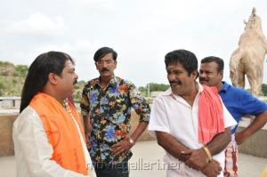 Charlie,Ilavarasu,Pandiarajan,Manobala in Varuvan Thalaivan Movie Stills