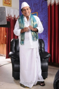 Actor Brahmanandam in Vasool Raja Telugu Movie Stills