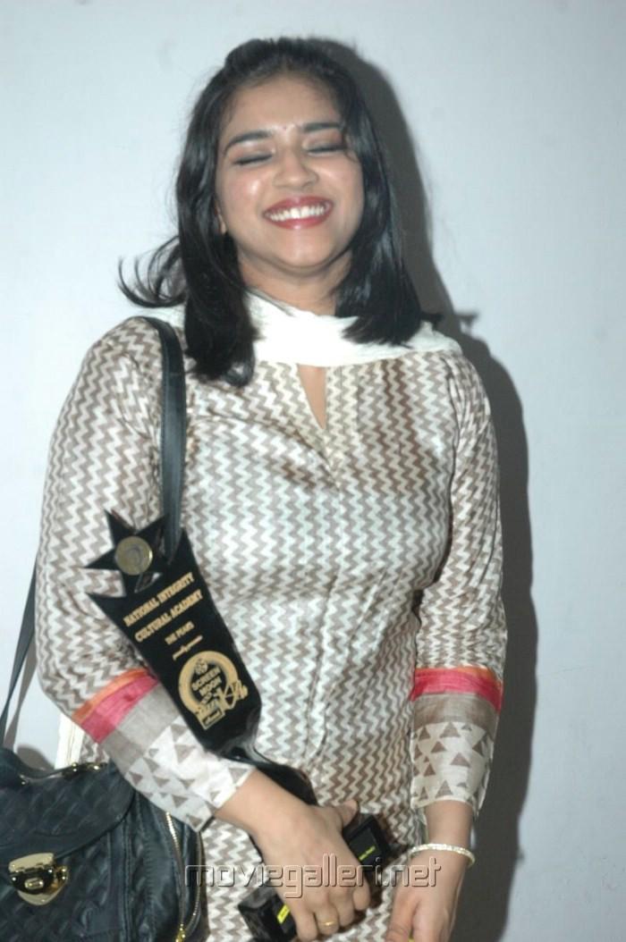 Tamil Actress Vasundhara Hot Stills
