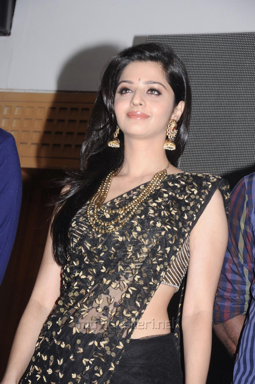 Picture 787772 Vedhika Kumar In Black Saree Kaaviya Thalaivan