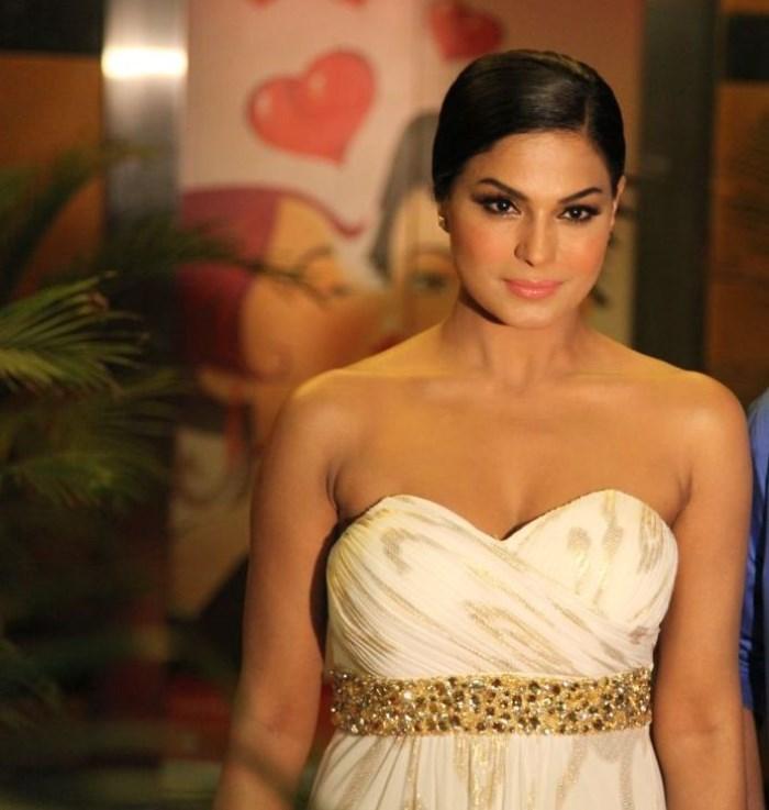 Actress Veena Malik Hot Stills At White