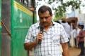 Director Ezhil @ Velainu Vandhutta Vellaikaaran Movie Working Stills