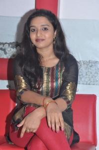 Actress Deepti Nambiar at Vellai Kagitham Movie Team Interview Stills