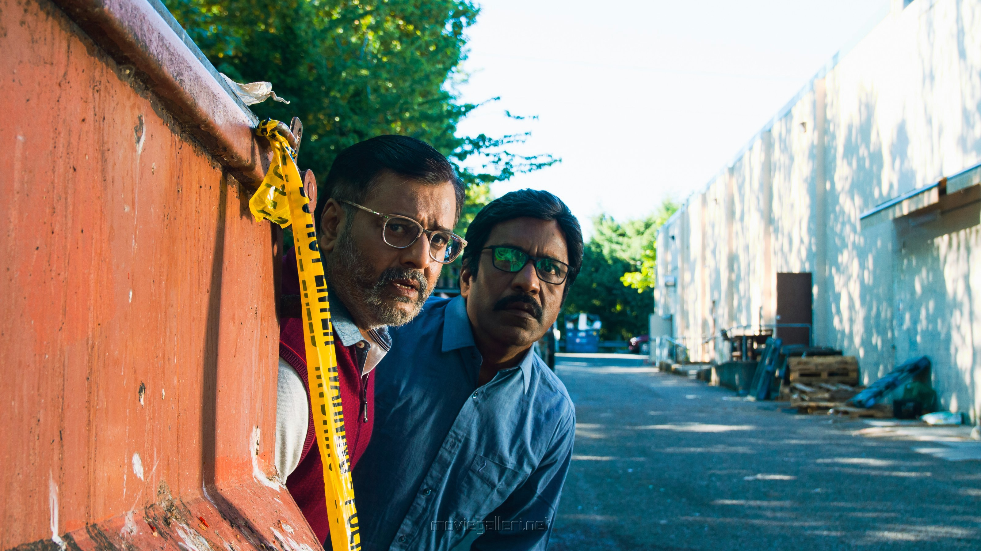 Actor Vivek, Charle in Vellai Pookal Movie Stills HD