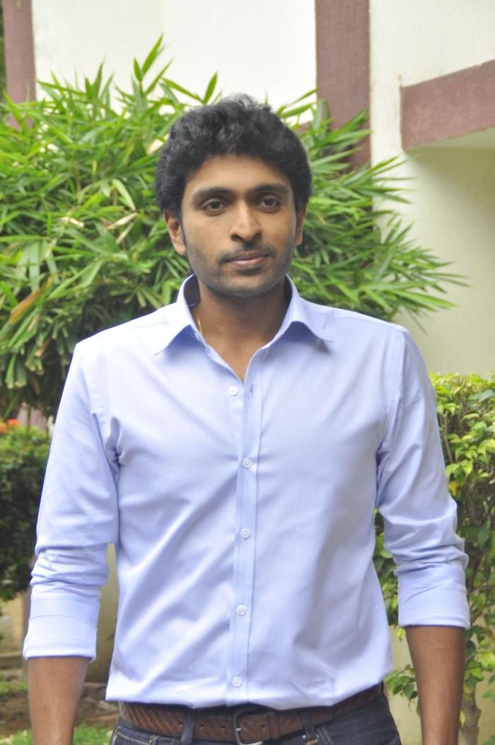 Actor Vikram Prabhu @ Vellaikaara Durai Team Interview Photos