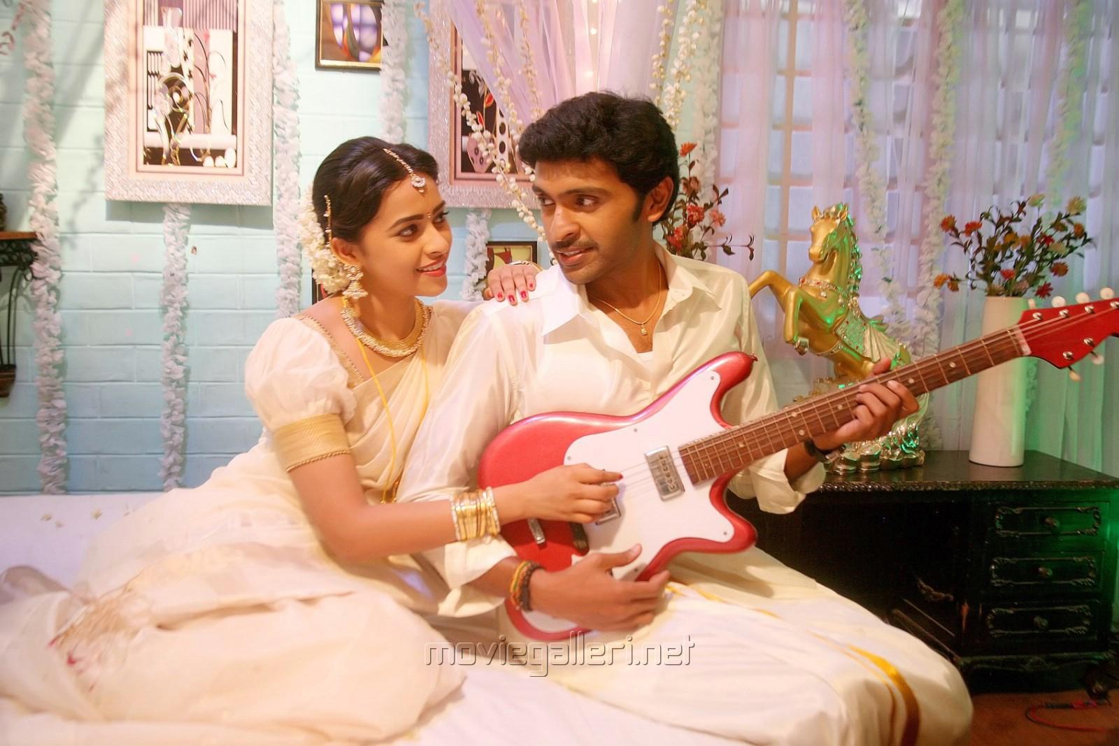 Sri Divya, Vikram Prabhu in Vellaikara Durai Movie New Stills