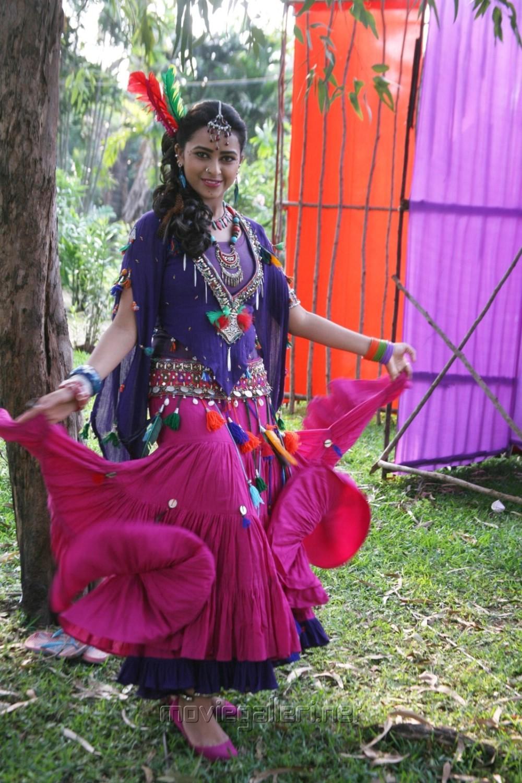 picture 785107 actress sri divya in vellaikara durai