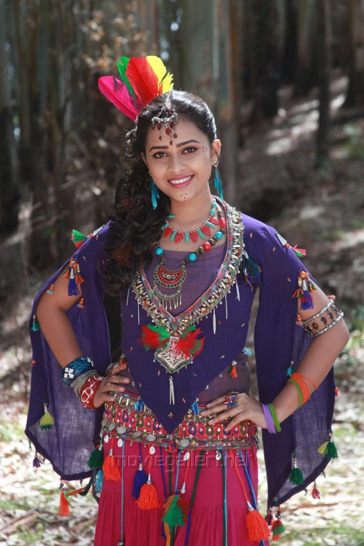 picture 762567 actress sri divya in vellaikara durai