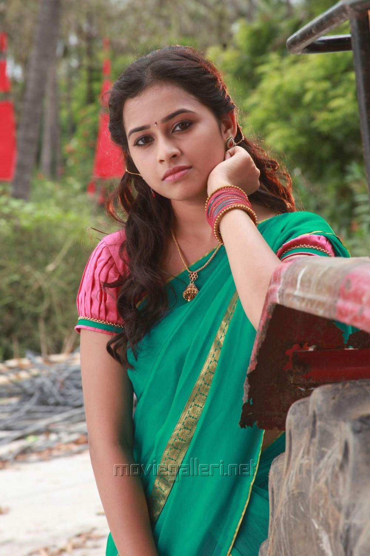 picture 762570 actress sri divya in vellaikara durai