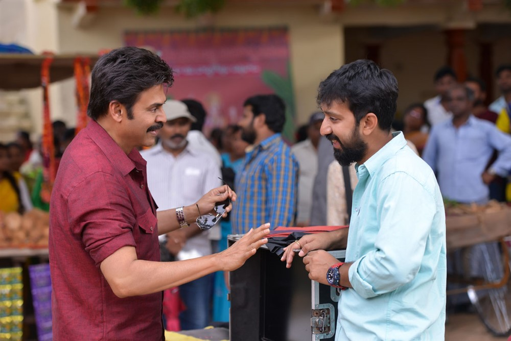 Venkatesh, KS Ravindra @ Venky Mama Movie Working Stills