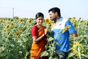Vijayalakshmi, Mirchi Senthil in Vennila Veedu Movie Photos