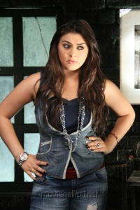 Actress Hansika Motwani in Vettai Mannan Movie Stills
