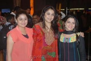 Ramya Krishnan @ Vettai Premiere Show Pictures