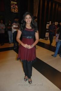Anjali @ Vettai Premiere Show Pictures