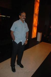 UTV Dhananjayan @ Vettai Premiere Show Pictures