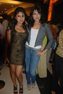 Sameera and Amala Paul @  Vettai Premiere Show Pictures
