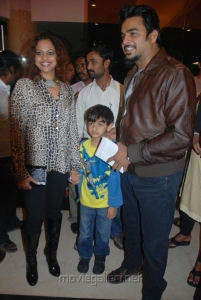 Madhavan wife Sarita Birje @ Vettai Premiere Show Pictures