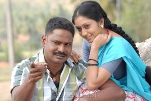 Vidiyal Raju, Udayathara in Vettaiyaadu Movie Stills