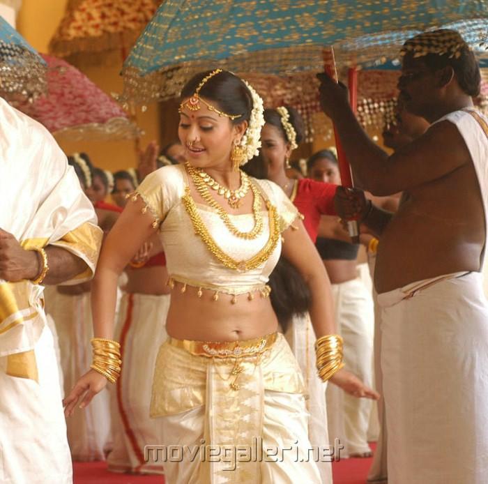 Sneha Hot In Vidiyal Movie