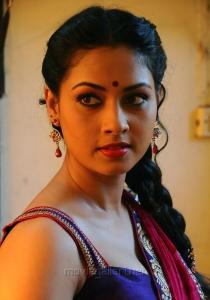 Actress Pooja Umashankar in Vidiyum Mun Movie Photos