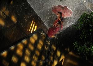 Actress Pooja Umashankar in Vidiyum Munn Movie Stills