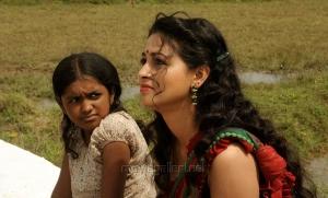 Malavika Manikuttan, Pooja in Vidiyum Mun Movie Stills