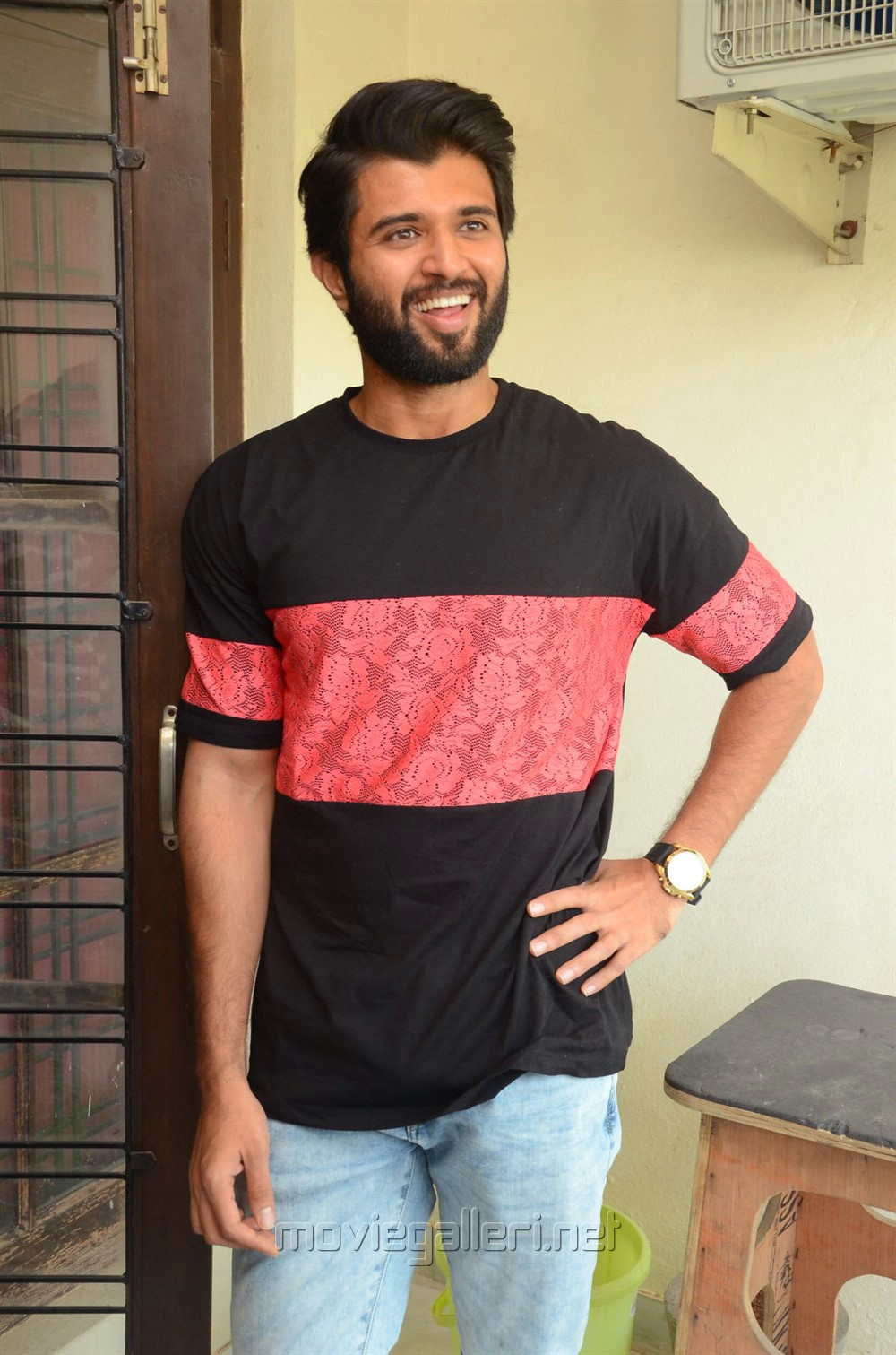 Nadigaiyar Thilagam Movie Hero Vijay Devarakonda Interview Stills